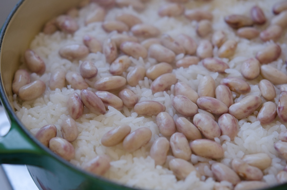 How to cook rice and beans on the stove