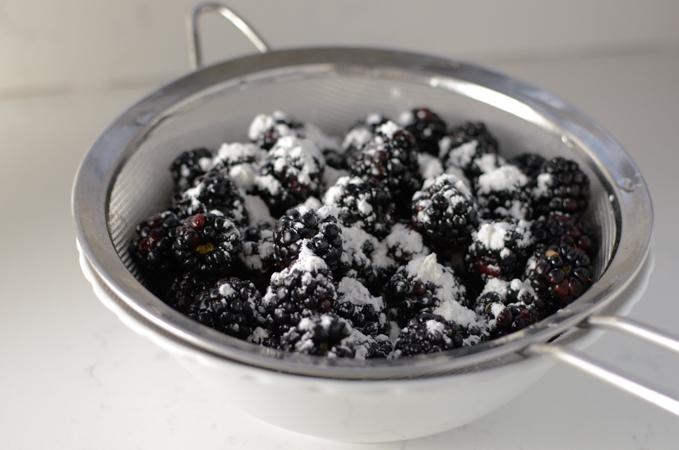 Easy Blackberry Cobber
